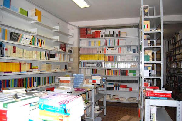 Libreria universitaria benedetti l 39 aquila da sempre la for Libreria universitaria